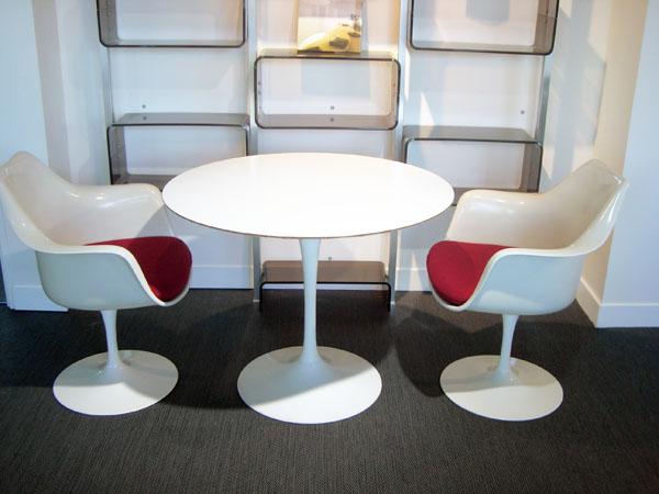 table tulipe eero saarinen occasion table ronde haute. Black Bedroom Furniture Sets. Home Design Ideas
