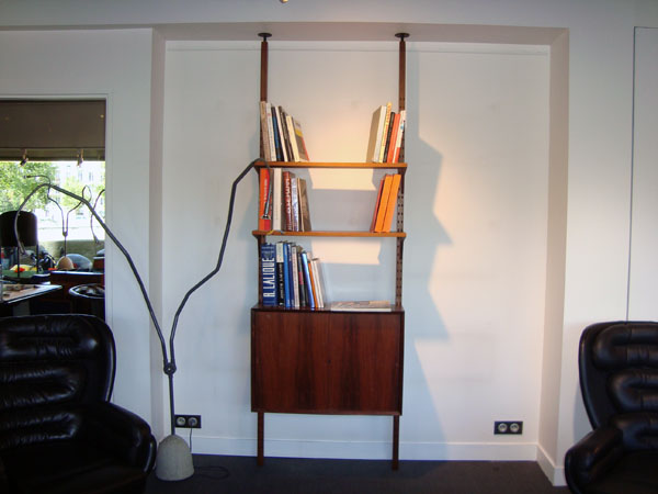 meuble danois occasion etag re et placard en palissandre circa 1960 meuble fabriqu au. Black Bedroom Furniture Sets. Home Design Ideas