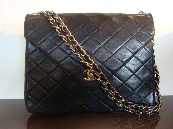 93b0aa2bbd4 vintage Chanel occasion Sac Chanel cuir noir matelassé (vintage ...