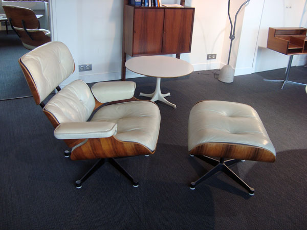 Eames lounge chair vitra table de lit a roulettes for Acheter vitra