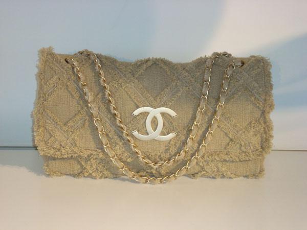 6ed67a23a887 Sac Chanel occasion Sac Chanel en tissu beige en parfait état ...