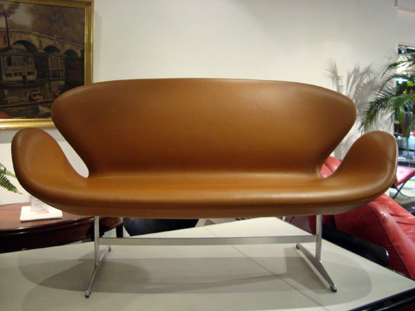 Canap swan arne jacobsen occasion tr s beau canap swan 2 places en cuir q - Canape interiors occasion ...