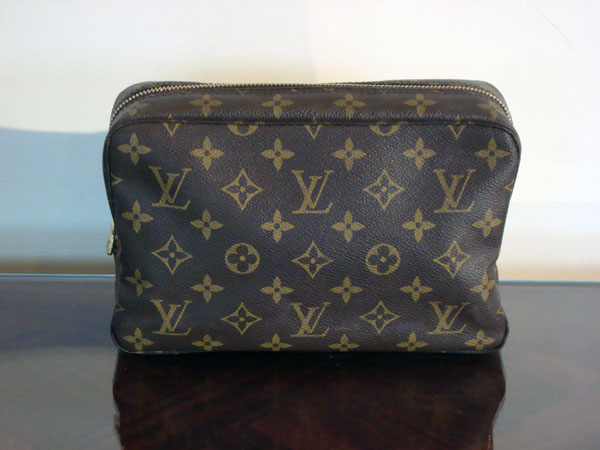 Trousse toilette Louis Vuitton  A94327