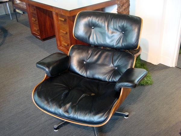 lounge chair charles eames occasion coques en contreplaqu moul plaqu de palissandre coussins. Black Bedroom Furniture Sets. Home Design Ideas