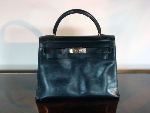 Kelly Hermès occasion Sac Kelly en cuir box noir, 29 cm. Circa  1960 ... c931ffe01a2