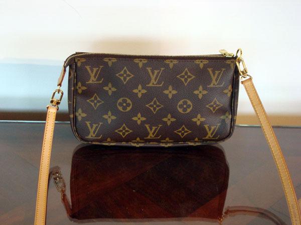 Louis Vuitton Pochette accessoires occasion, en vente Ile Saint Louis -  Paris ddbeb064a54