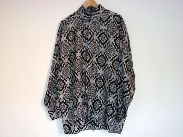 chemise versace occasion chemise versace pour homme en soie noire et blanche taille m paris. Black Bedroom Furniture Sets. Home Design Ideas