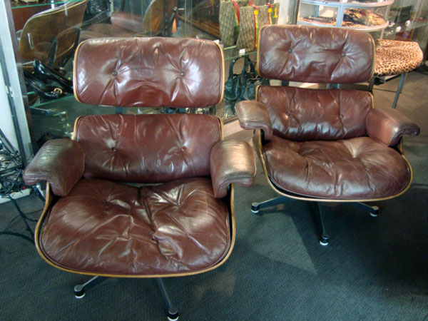 2 lounge chairs charles eames occasion paire de lounge chairs trois coques en contreplaqu. Black Bedroom Furniture Sets. Home Design Ideas