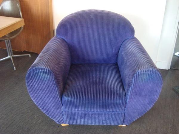 fauteuil club velours occasion fauteuil en velours violet longueur 98 cm profondeur 55 cm. Black Bedroom Furniture Sets. Home Design Ideas