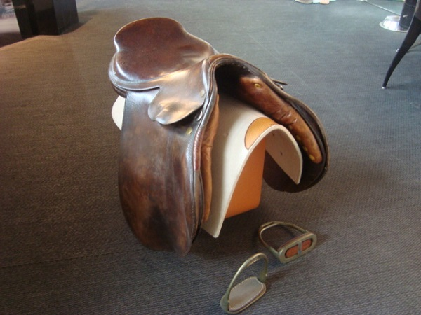 Hermès Selle de cheval occasion, en vente Ile Saint Louis - Paris