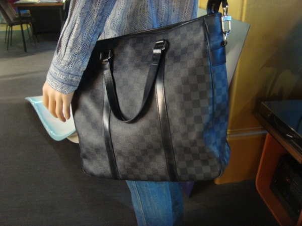 Louis Vuitton  Sac Tadao Damier Graphite  occasion, en vente Ile Saint Louis - Paris