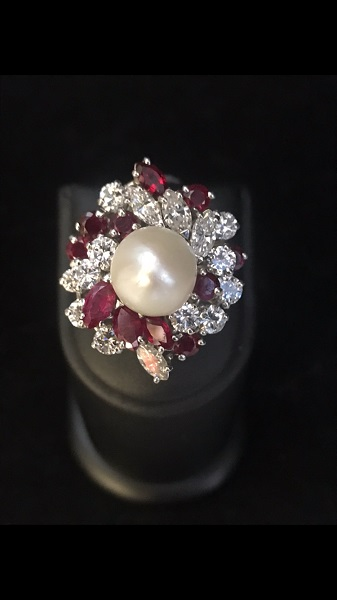 bague platine perle diamants rubis