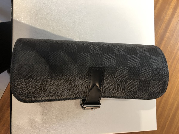 Louis Vuitton Etui 3 montres Louis Vuitton  occasion, en vente Ile Saint Louis - Paris